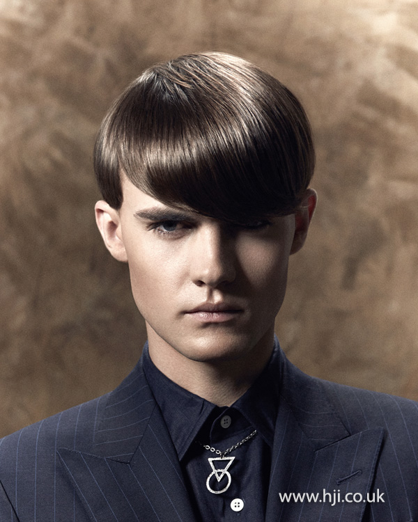 2015 subtle bowl cut with side swept front