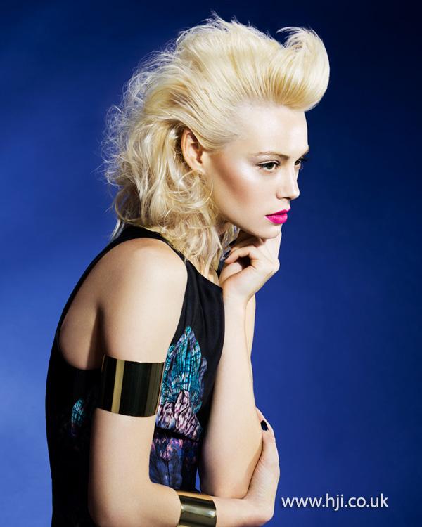 2015 big blonde set curl hairstyles