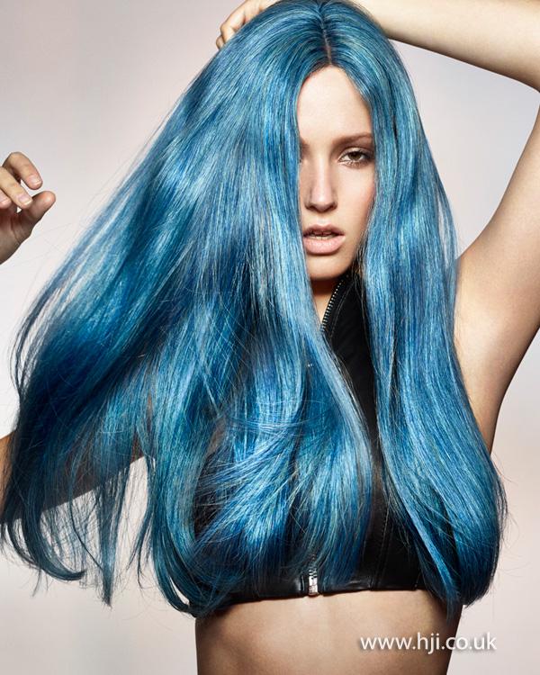 2015 long bright blue hair