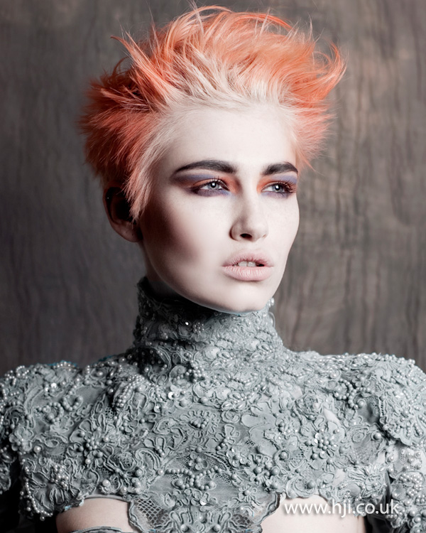 Coral pixie crop with blonde root stretch by Ria Kulik