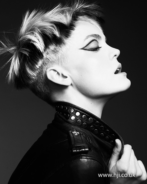 Cropped hairstyle with undercut by Rachelle Simmonds