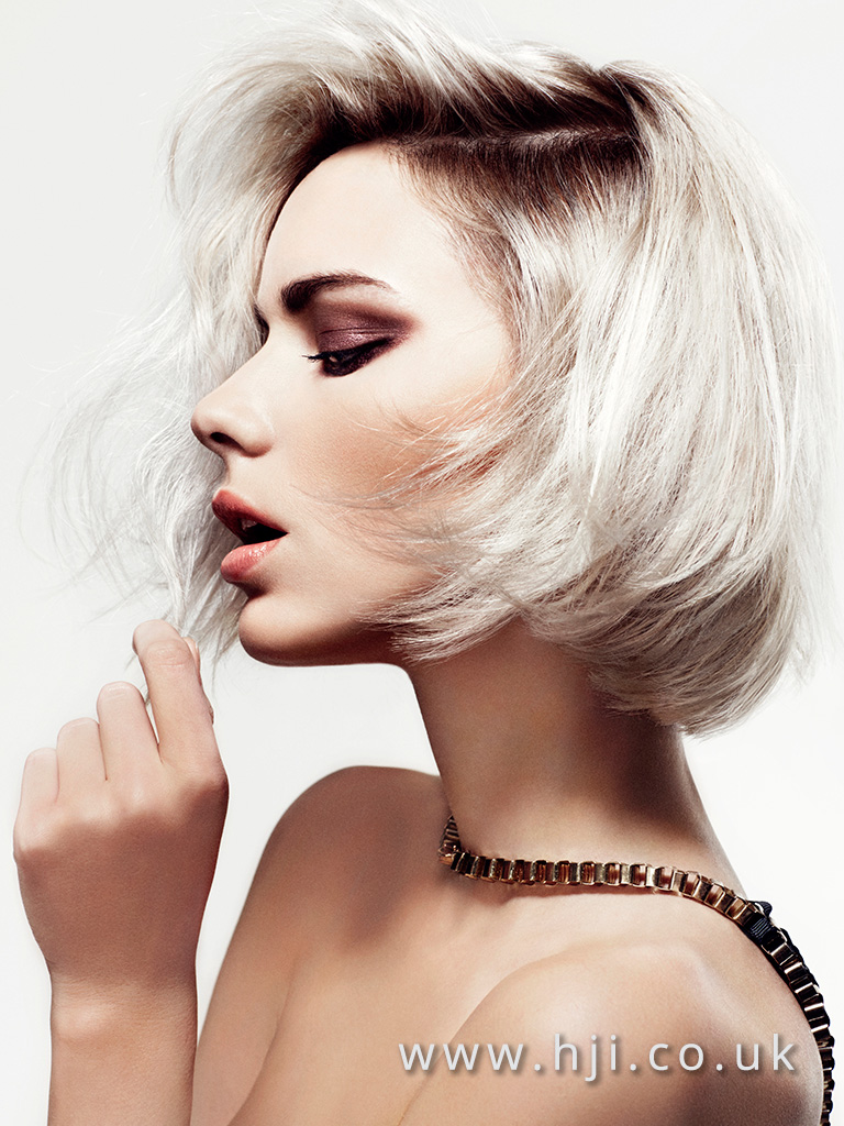 2016 Blonde textured box bob with smudged roots