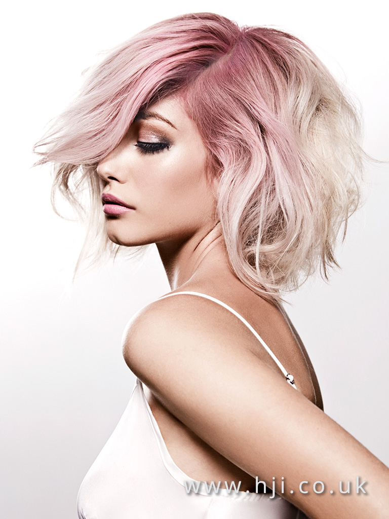 2016 Voluminous wavy bob platinum blonde with pink root drag