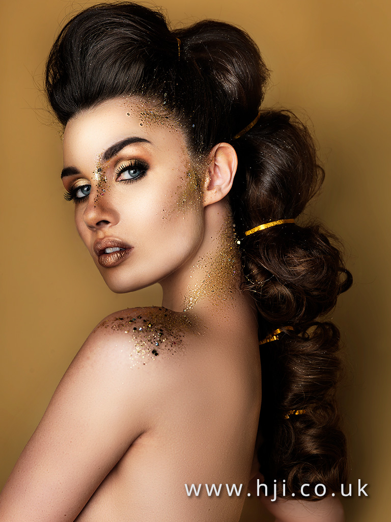 2016 long glossy brunette ponytail hairstyle with quiff