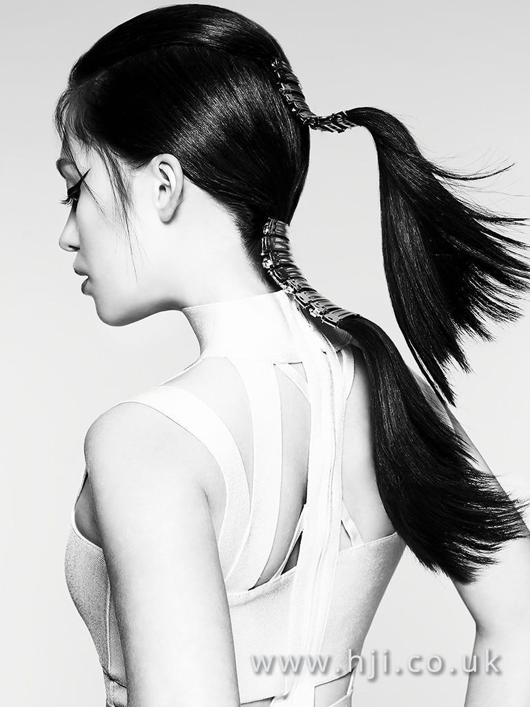 Double ponytail with exposed clips