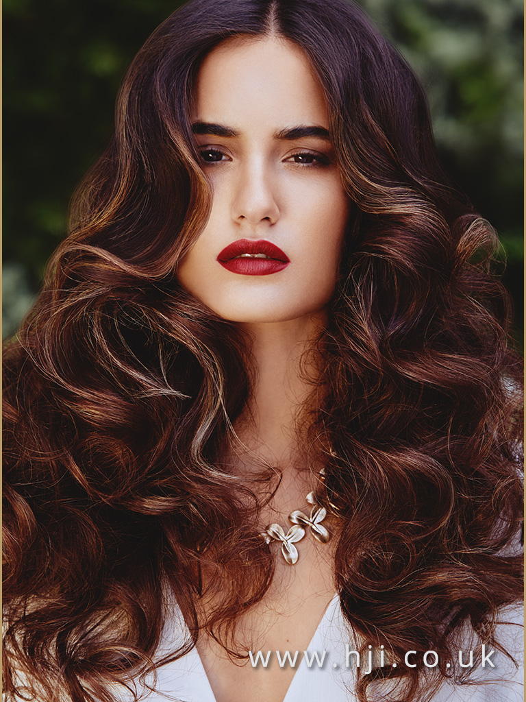 Andrew Barton Bronde Sleek Voluminous Glamour Waves with Centre Parting