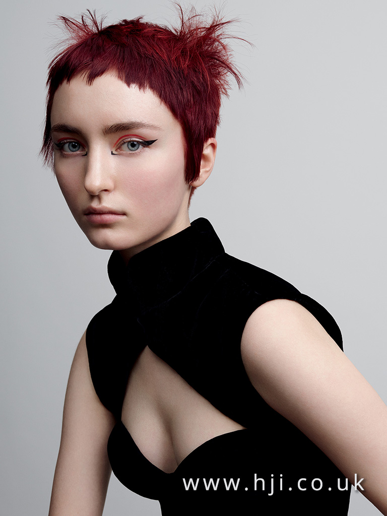 2017 redhead cropped hairstlye with textured fringe