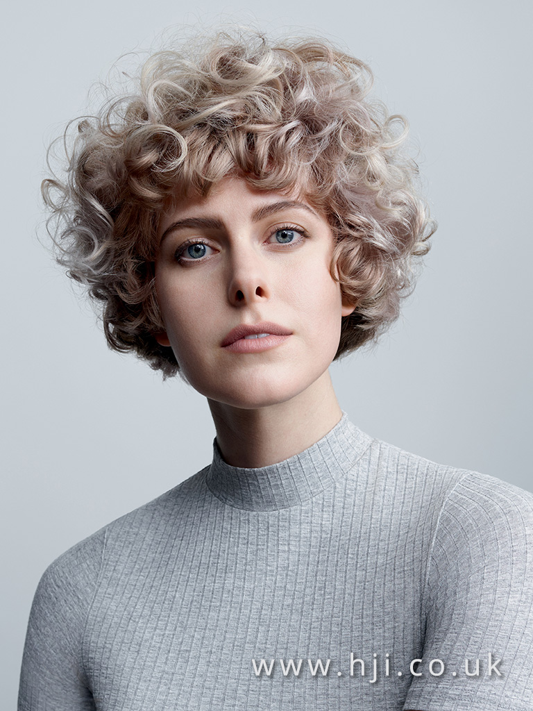 2017 short curly 2 tone hairstyle