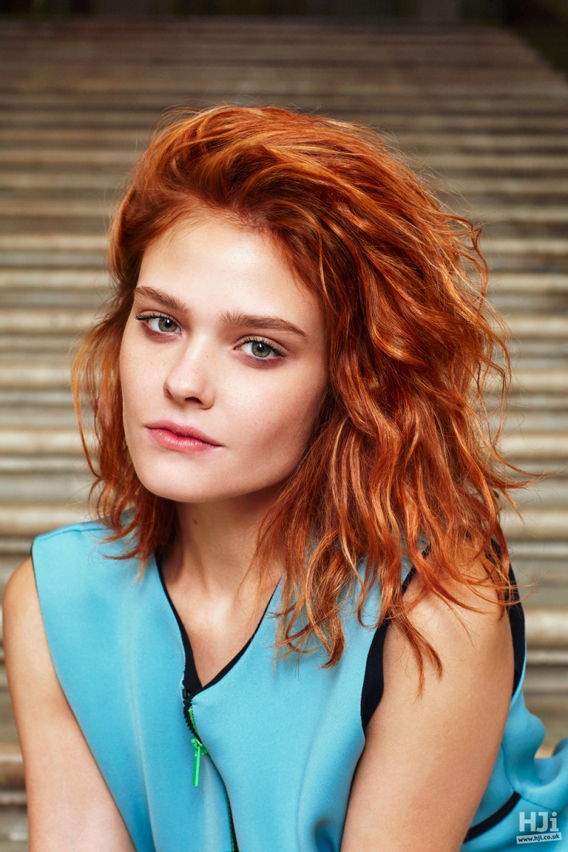 Short red style with relaxed waves