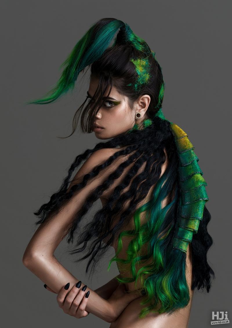 Avant-garde deep green styling