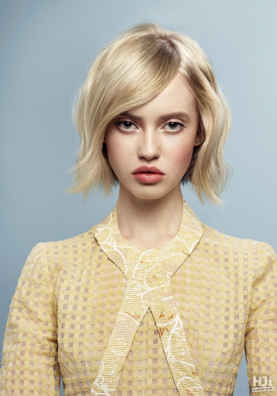 Short blonde waves
