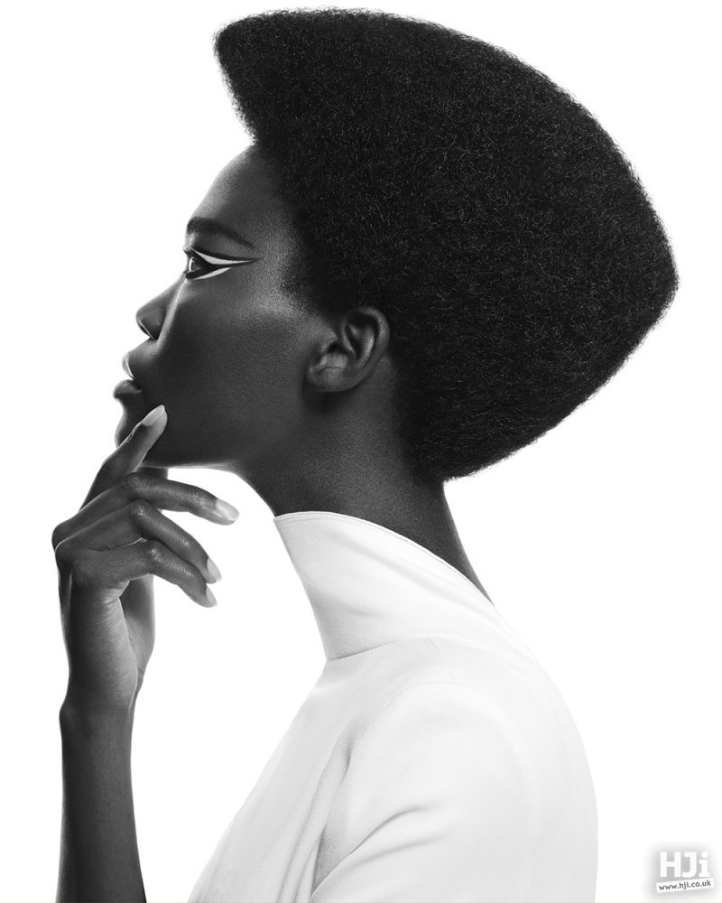 Cleanly-defined afro hair