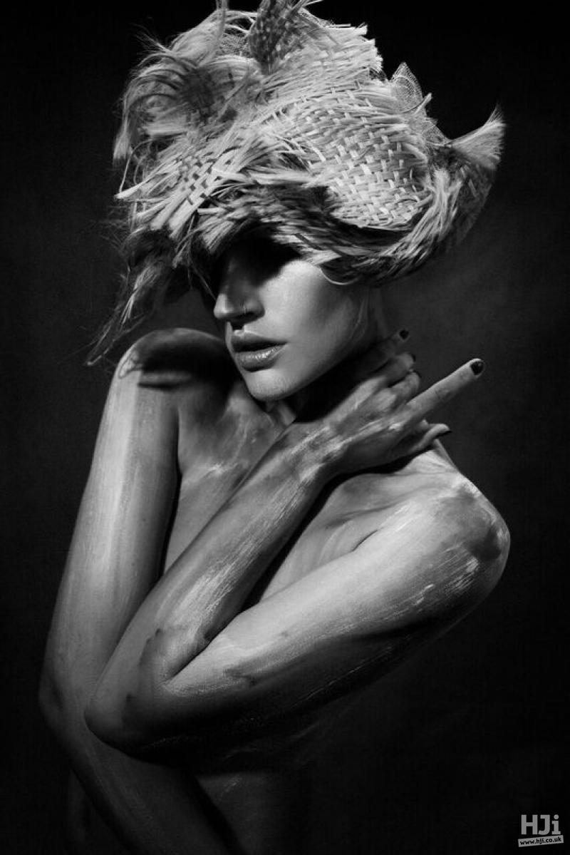 Sculptural hair weaving