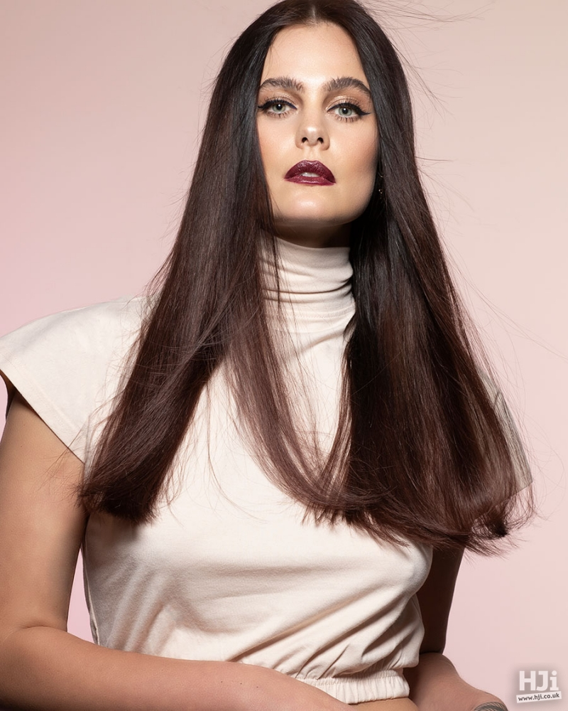 Sleek, glossy locks with a hint of volume and bevelled ends