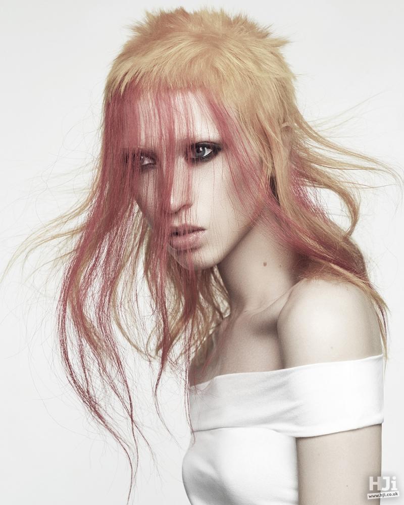 Thin, long coloured fringe