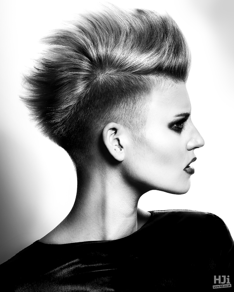 Undercut and hair with volume