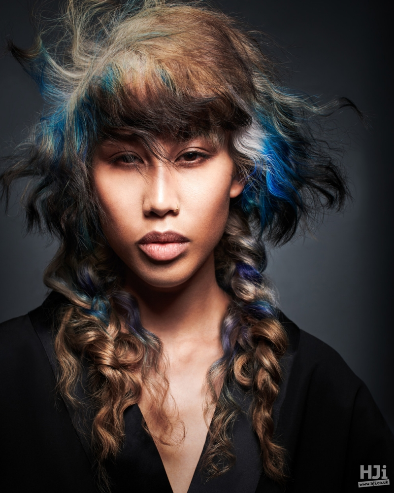 Textured fringe with long curls
