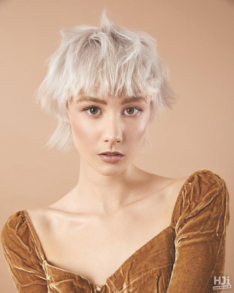 Pearl blonde fringe