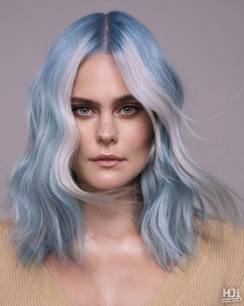 Light blue and white waves