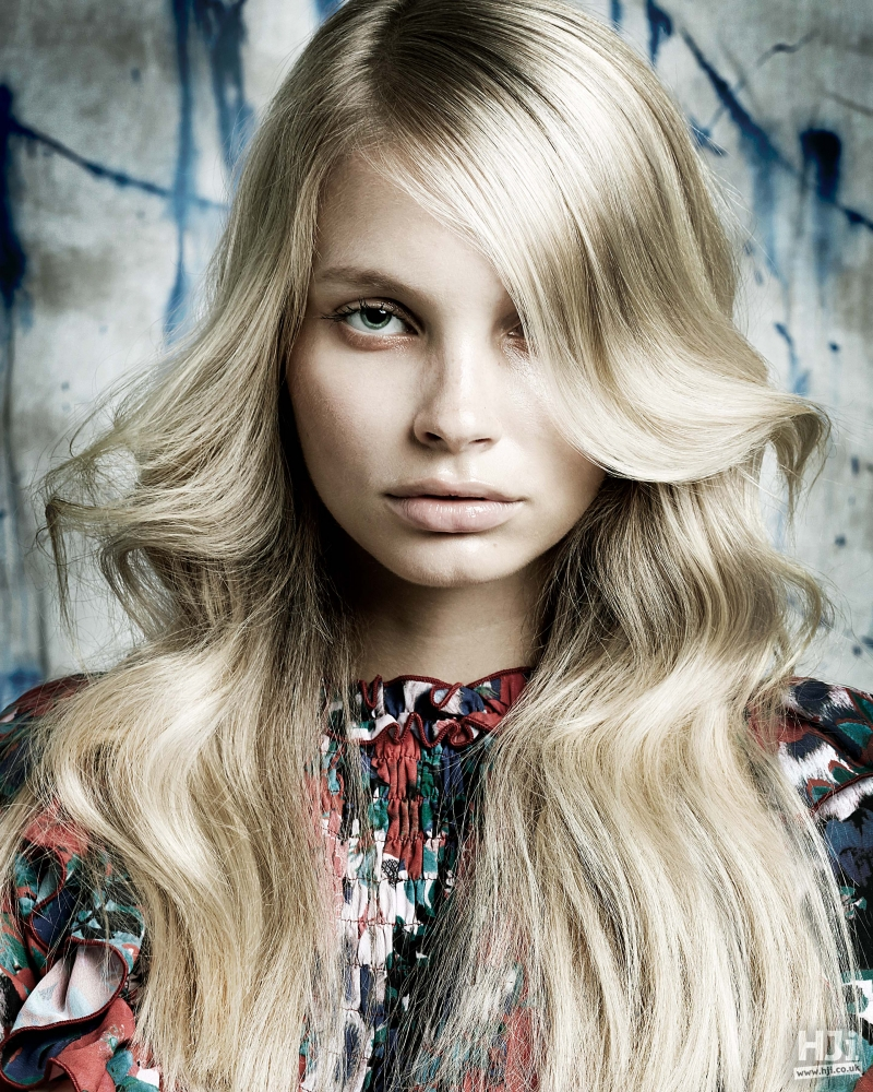 Side fringe brushed curls