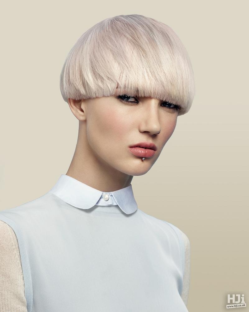 Pearl blonde bowl cut