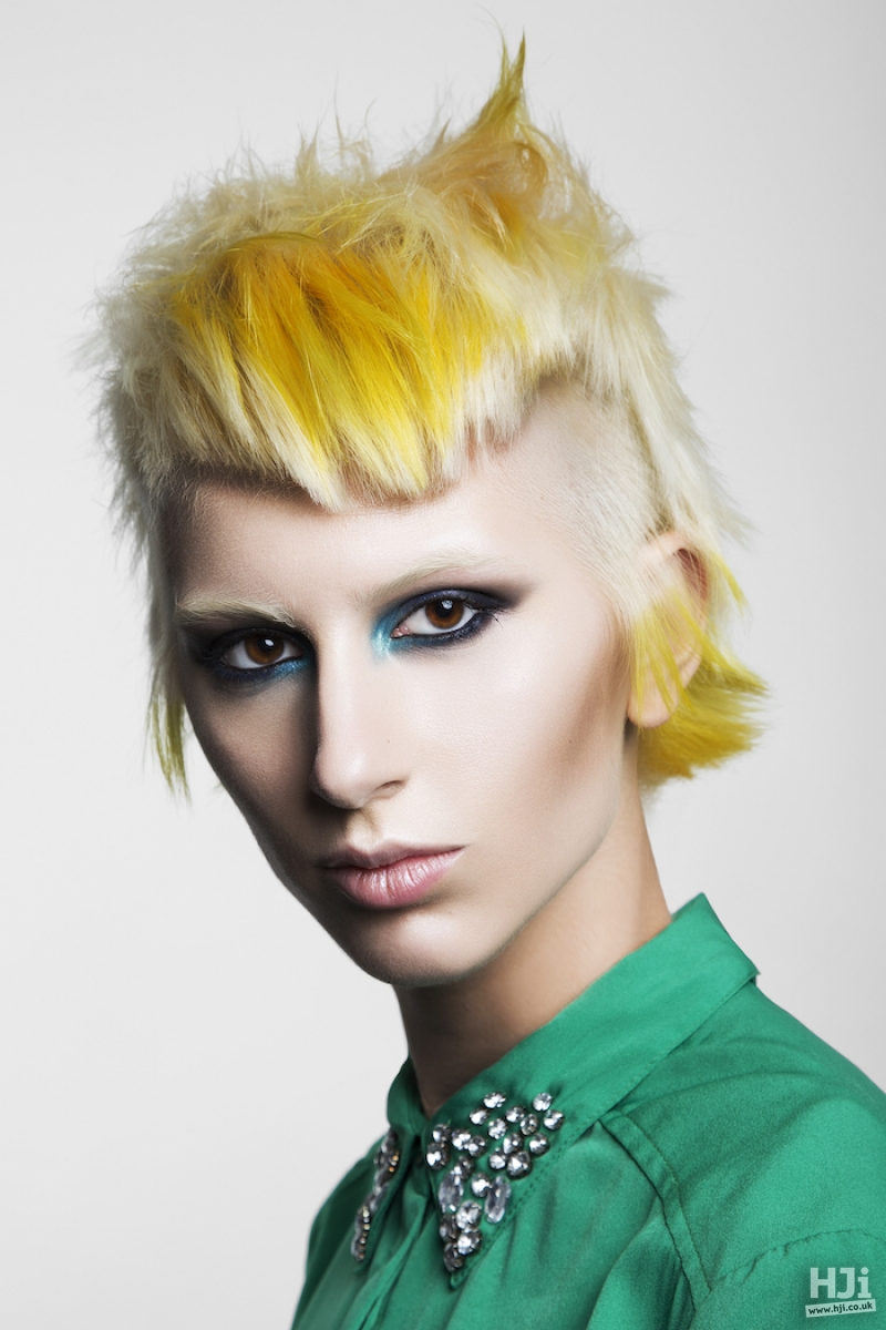 Platinum and bright yellow short style with geometric short fringe
