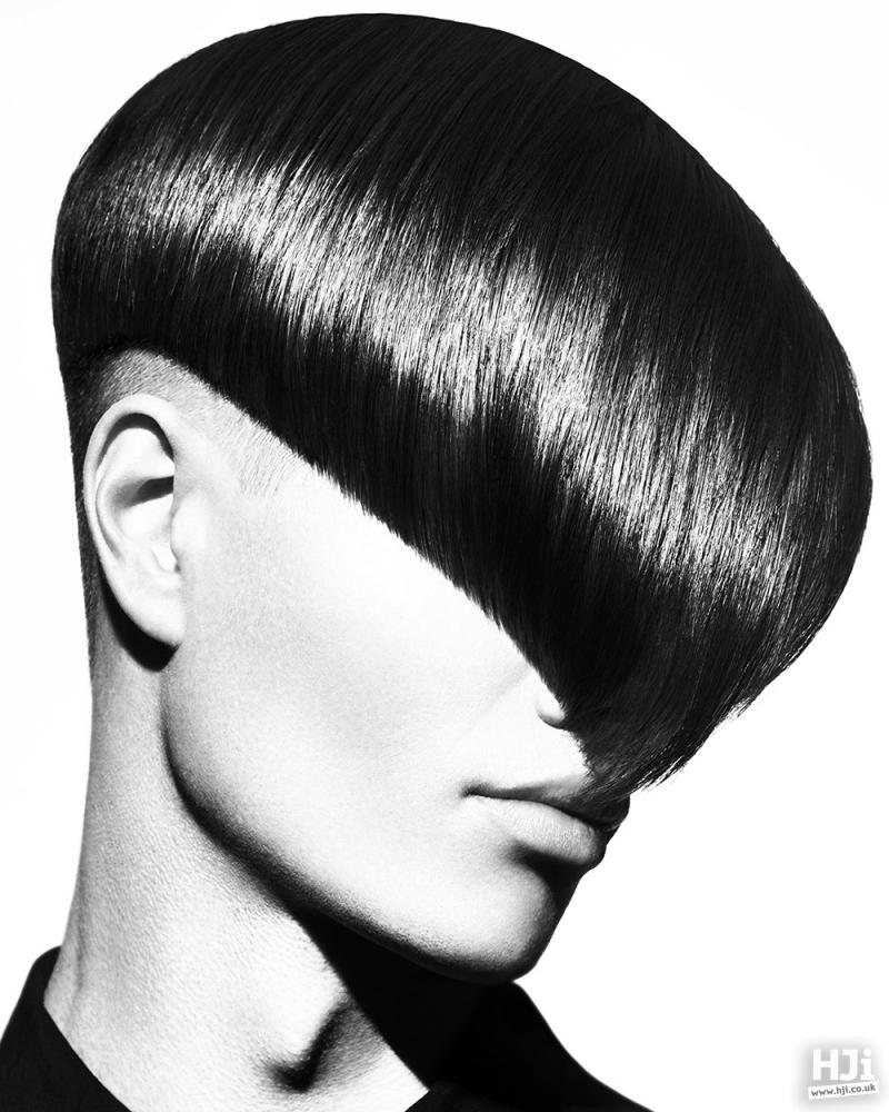 Sleek one-sided fringe