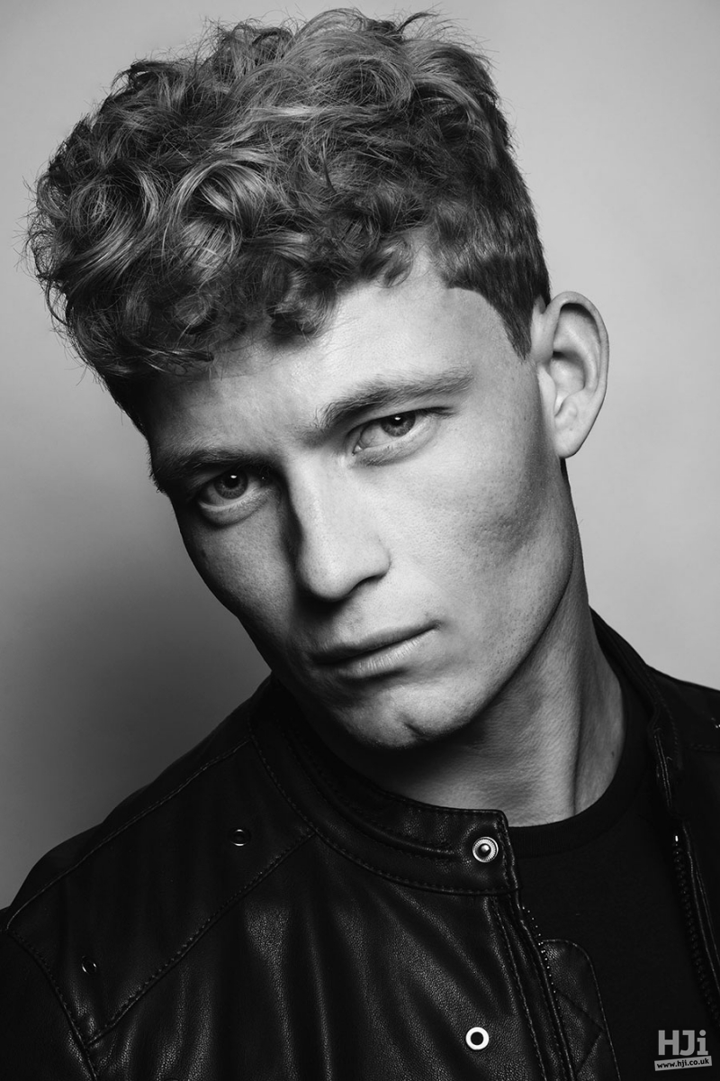 Curly short men's hairstyle