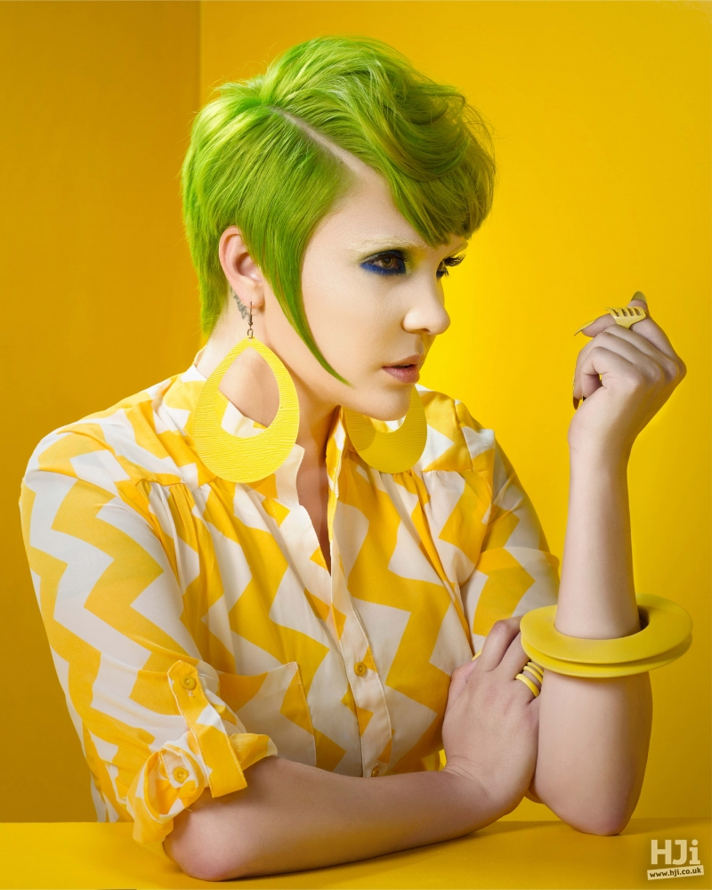 Sharp cut and bold colour