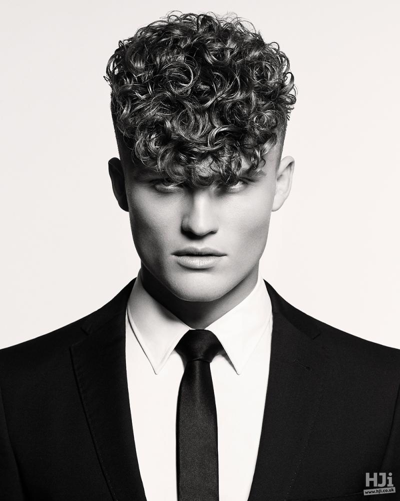Natural curls pompadour