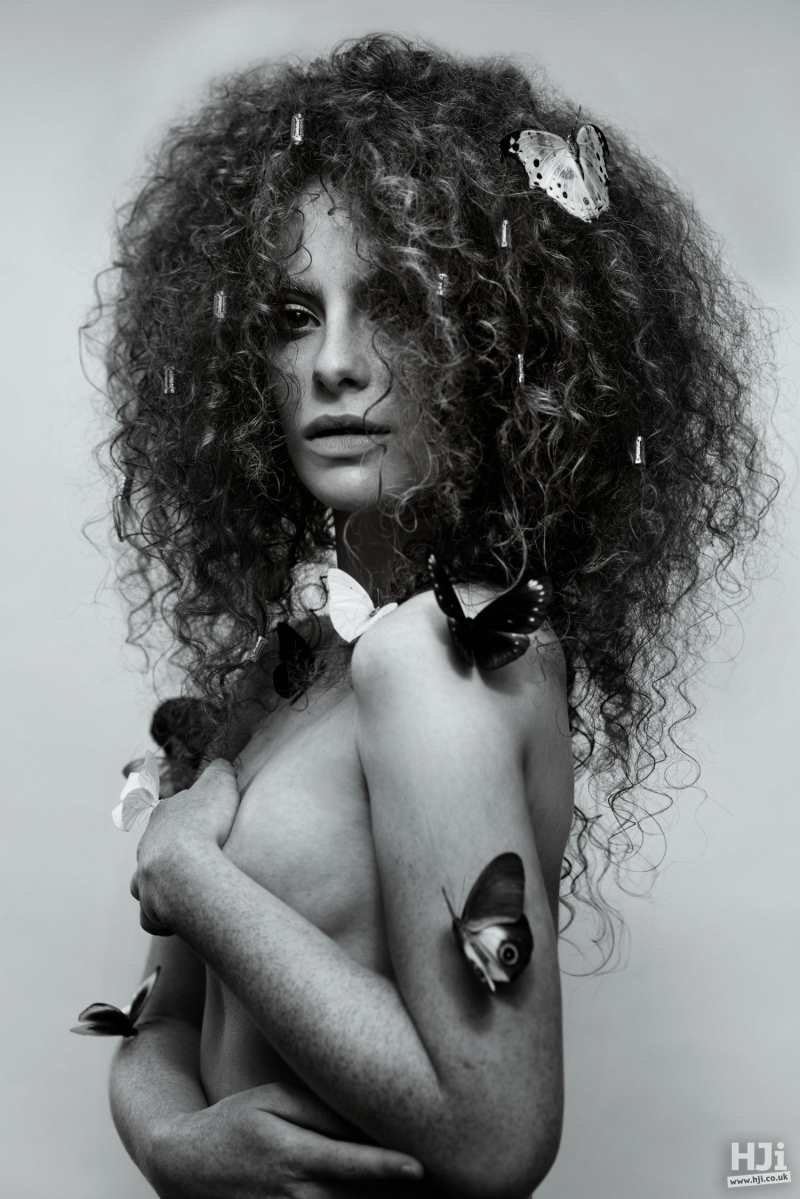 Brushed natural curls