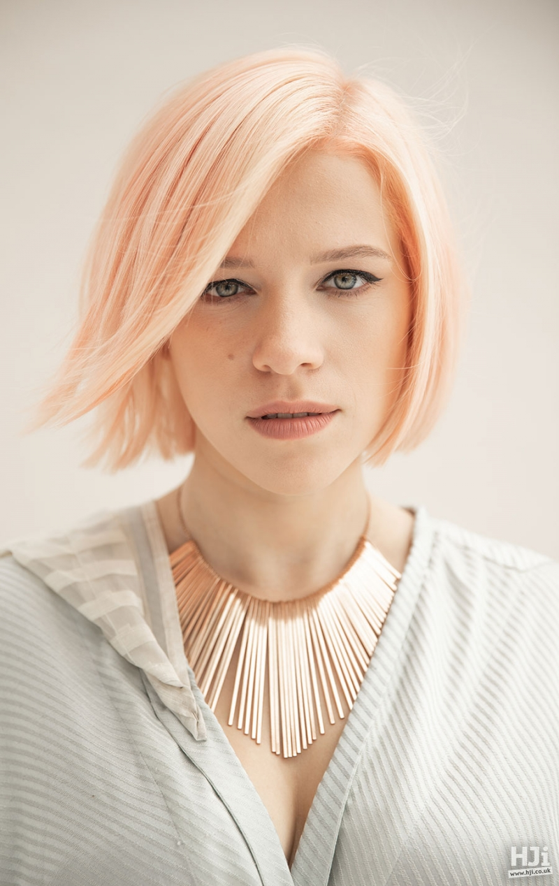 Straight peach-blonde bob with side parting fringe