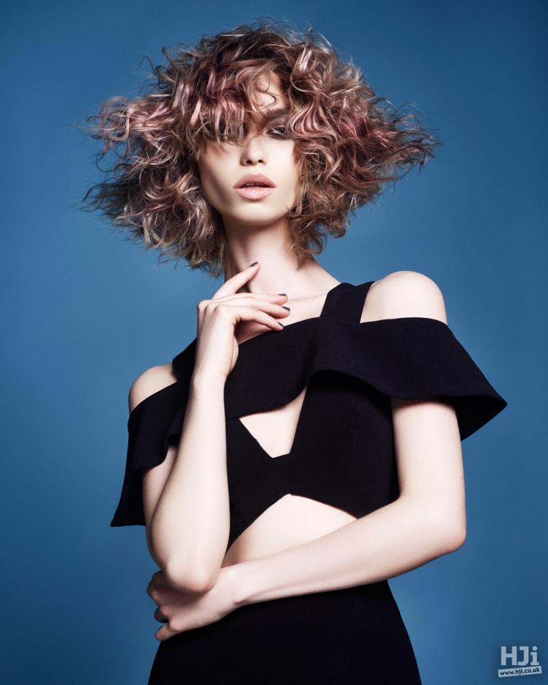 Light pink geometric curls