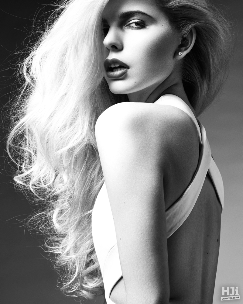Long wavy blonde hair