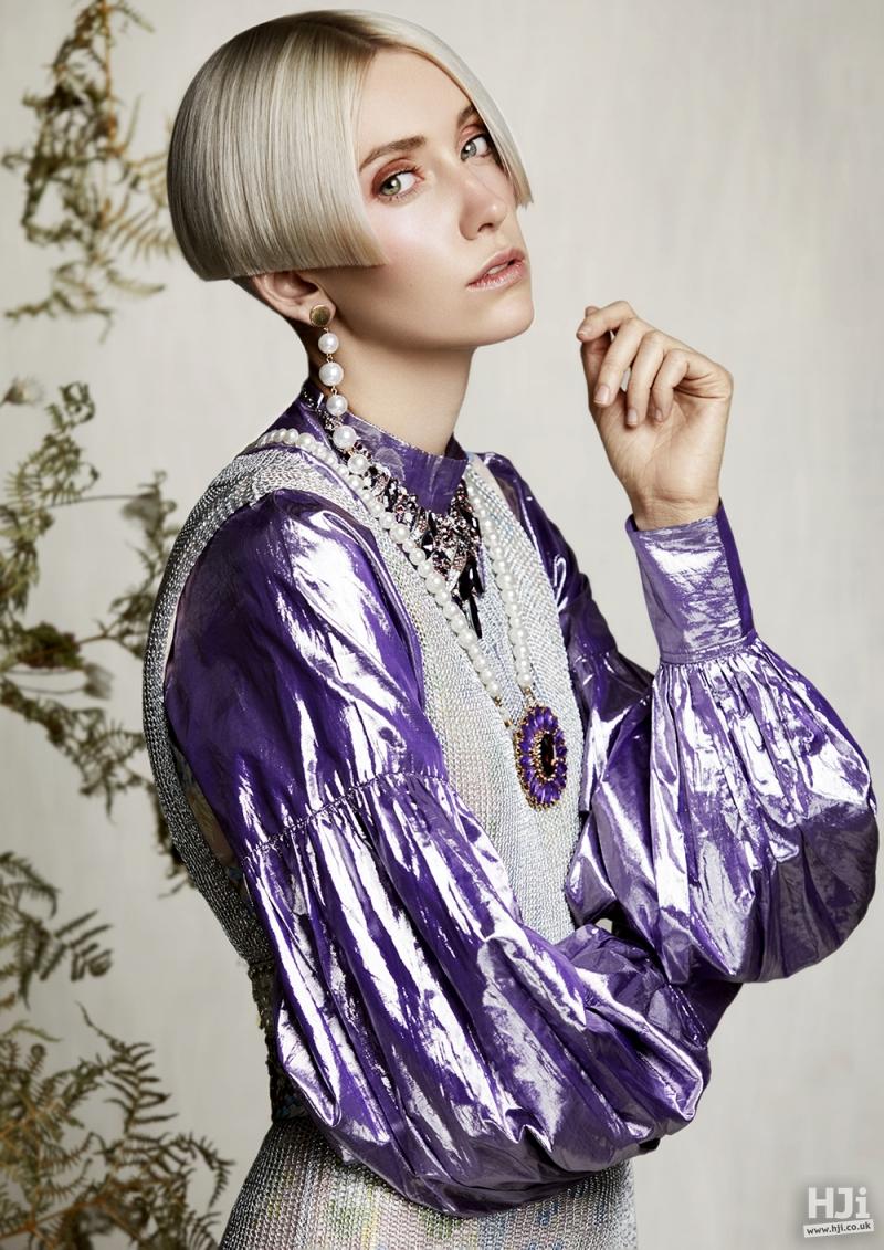 Sleek short pearl blonde centre parting