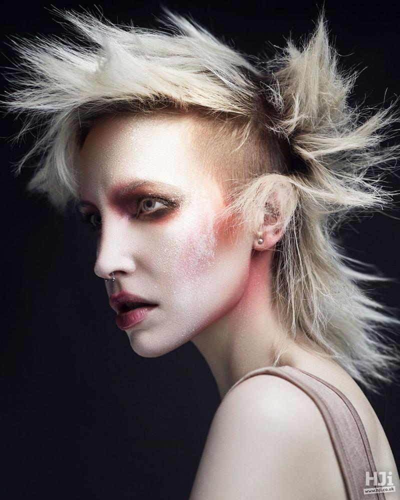 Dark roots Blonde lengths