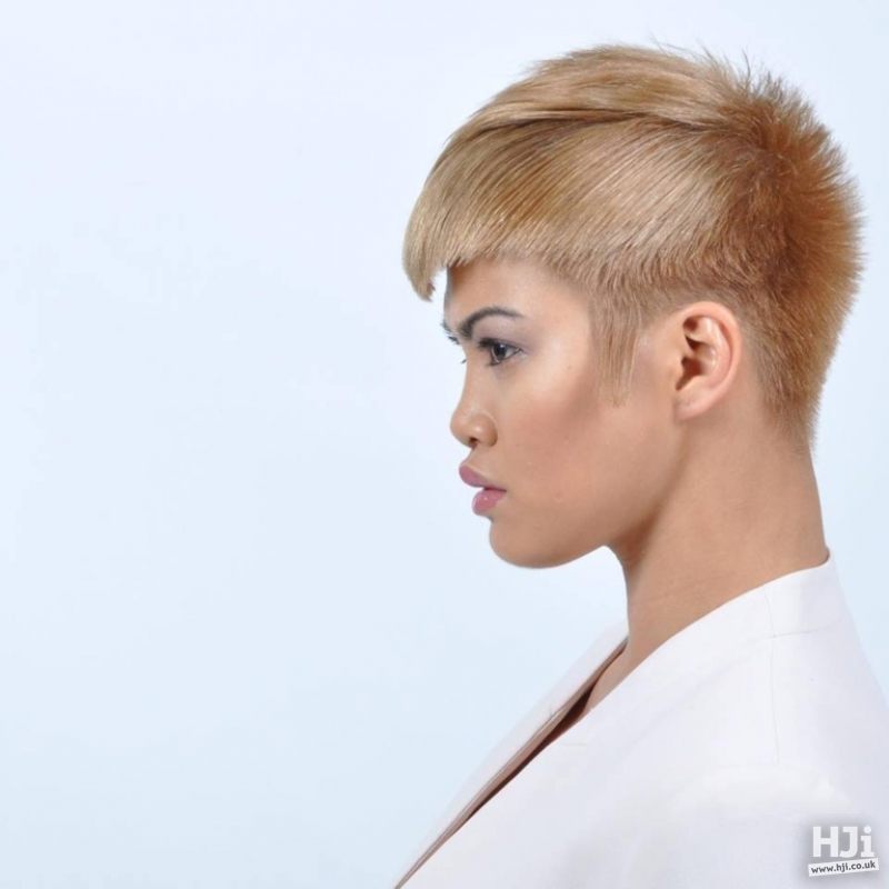 Short Commercial Blonde