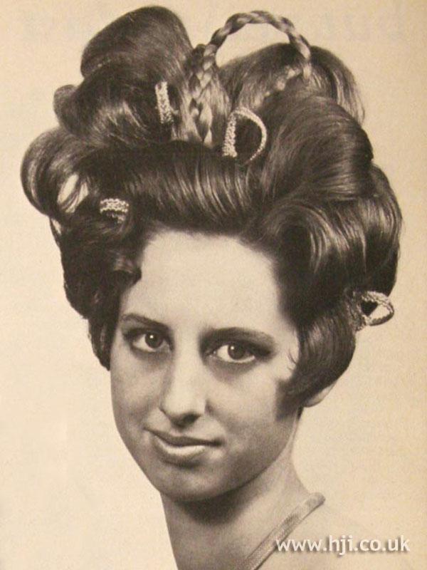 1967 Huge Updo Hairstyle Hji