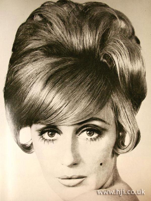 1968 Waves Smooth Hairstyle Hji