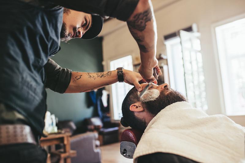 barber cut throat shave image