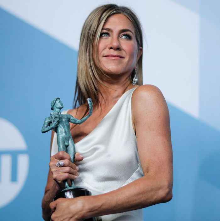 screen actors guild award 2020 jen aniston