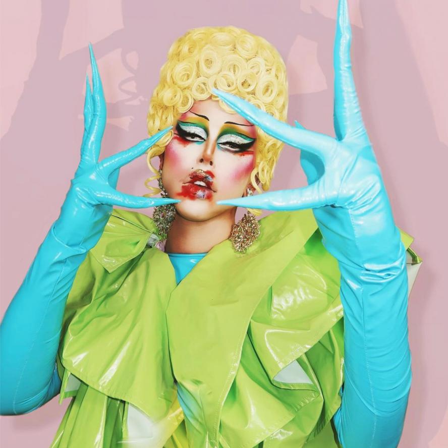 Drag queen wig maker