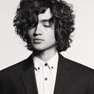 Men's hair trends long waves Men's hair trends A/W21