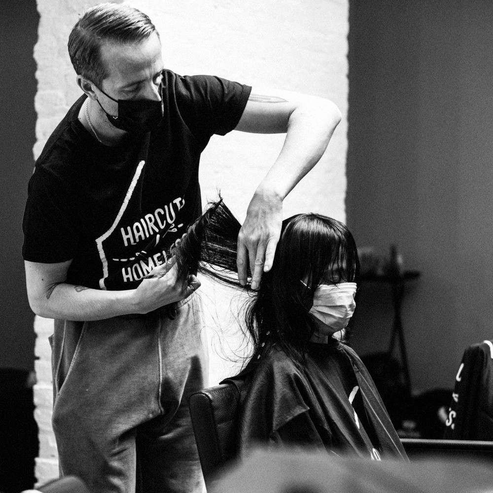 celebrity hairstylists offering haircuts to homeless